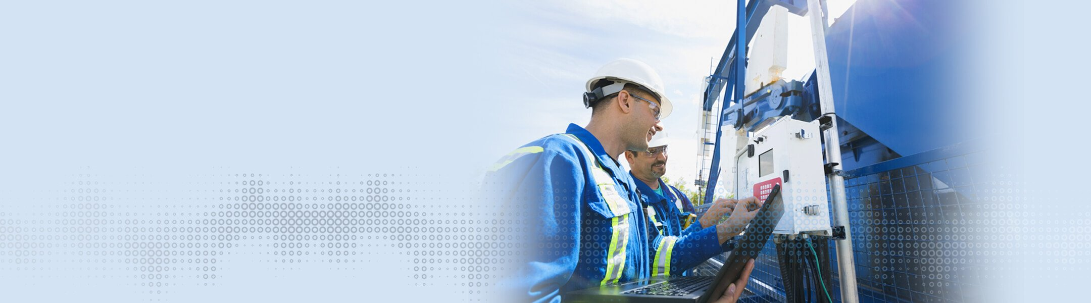 field-services-hero-customer-support-600x2160